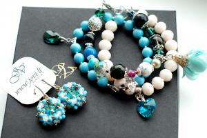 TURQUOISE PEARLS I